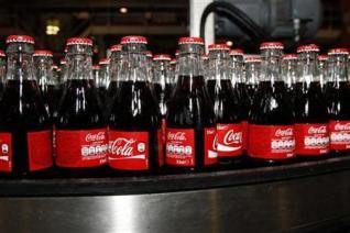 Coca-Cola HBC: Εξετάζει μέτρα εξοικονόμησης εξόδων - επανεξετάζει μάρκετινγκ και επενδύσεις