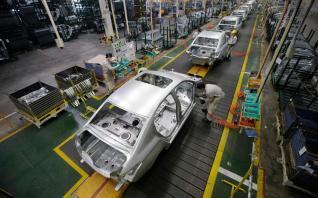 Ξεκινά σταδιακά η παραγωγή στα εργοστάσια αυτοκινήτων στη Κίνα