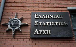 ΕΛΣΤΑΤ: Αυξήθηκε 6,9% το μέσο ισοδύναμο ατομικό διαθέσιμο εισόδημα